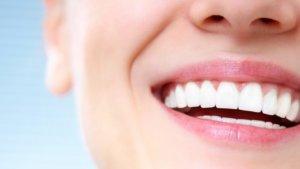 Ίσιο, λευκό χαμόγελο!